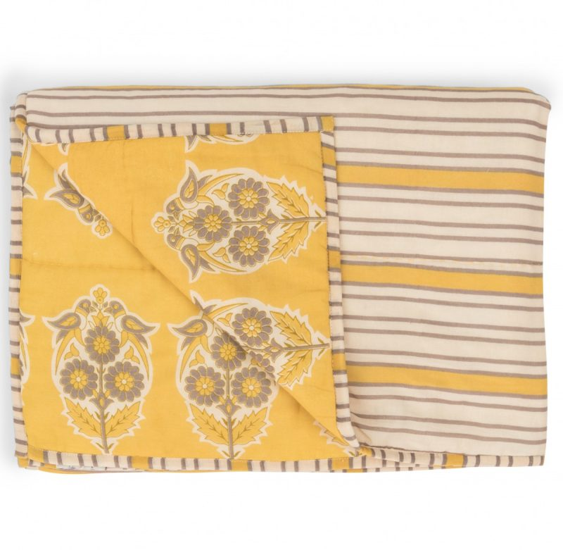 Parakeets Yellow Quilt Crop